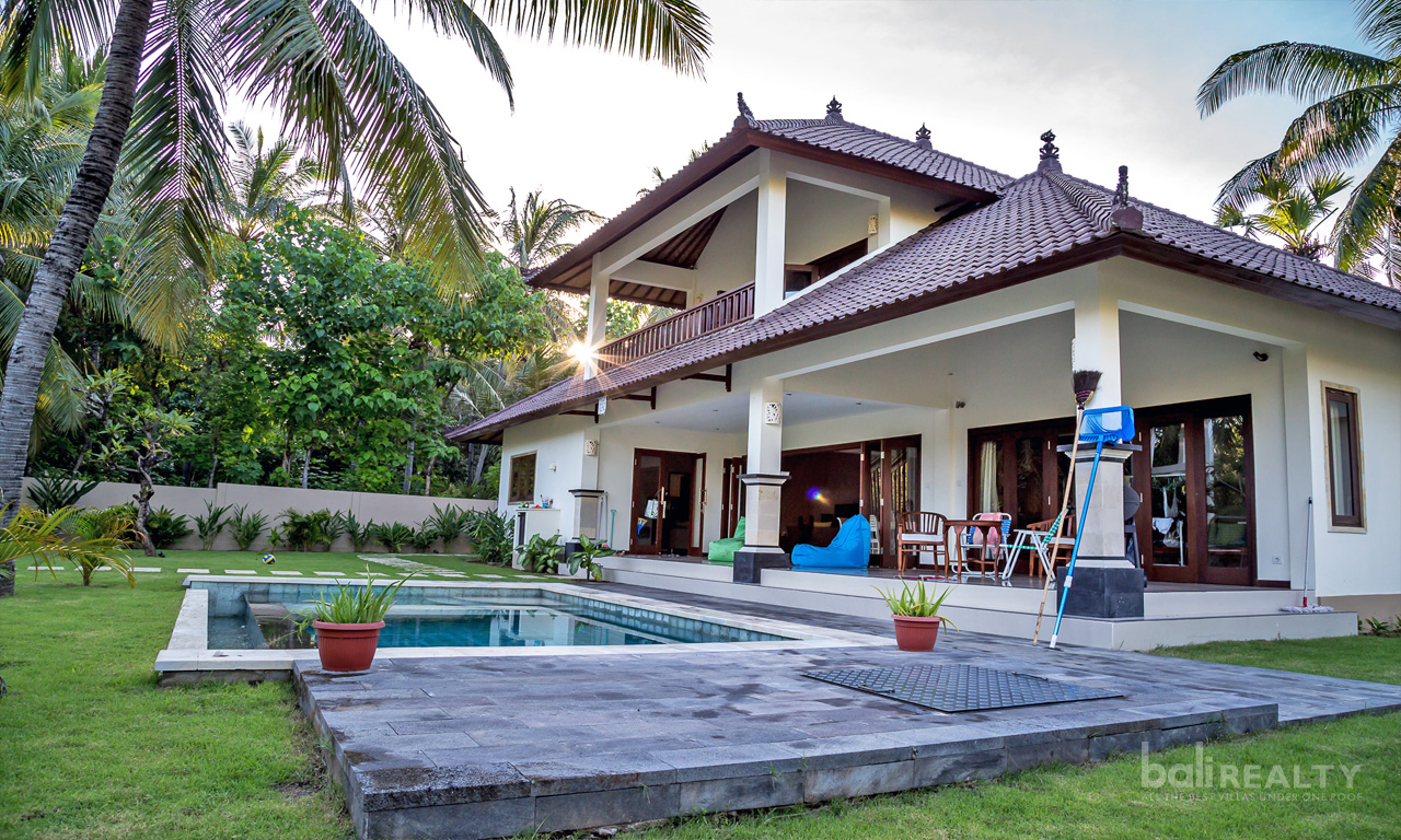 Traditional Villa With Large Gardens Freehold In Amed 1241 Bali Realty