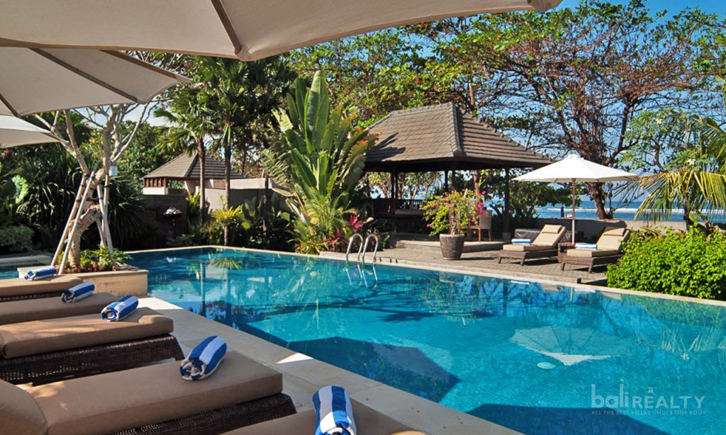 Monthly rental beachfront Sanur villa
